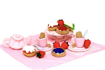 Soft English Afternoon Tea Set - Oskar & Ellen